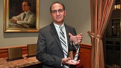 judge-leifman-with-award